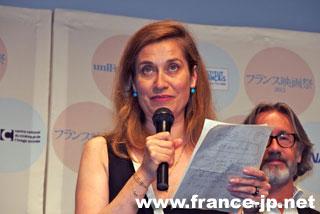 エマニュエル・ドゥヴォス 1964年5月10日フランス・パリ生まれ。 アルノー・デプレシャン監督